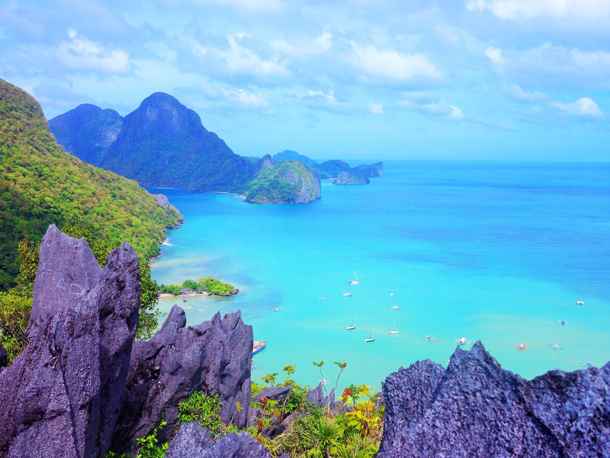 View from our climb up Taraw Cliff in El Nido, Palawan