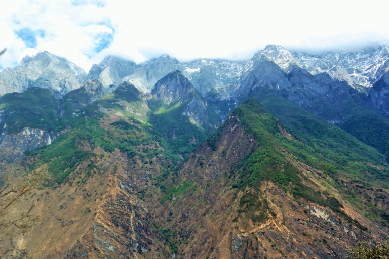 Snow topped peaks of the Himalayas along the Tiger Leaping Gorge trail